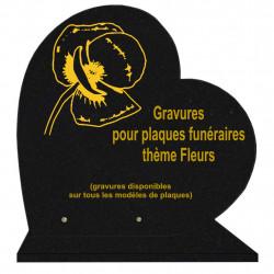 PLAQUE FUNÉRAIRE 40X40 COEUR GRANIT FLEURS SUR SOCLE